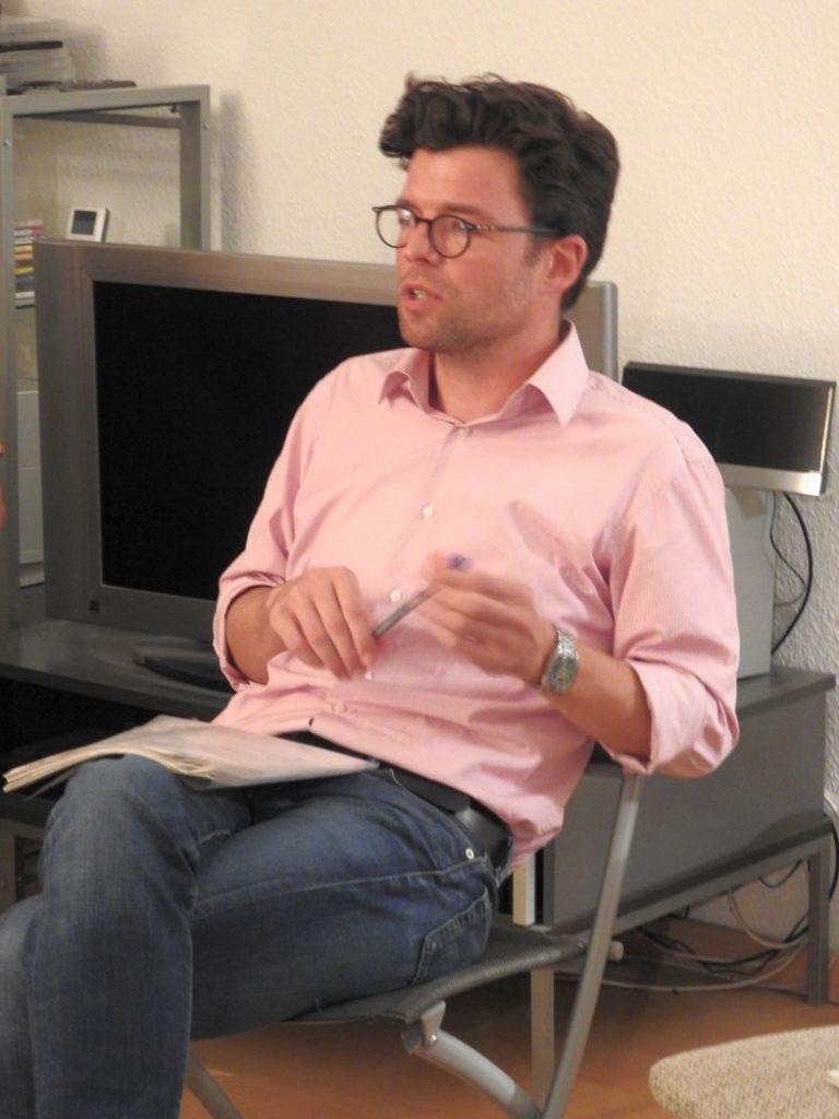 """Daniel Leisegang. Der Journalist ist bei den """"Blättern"""" auf Medien- und IT-Themen spezialisiert."""