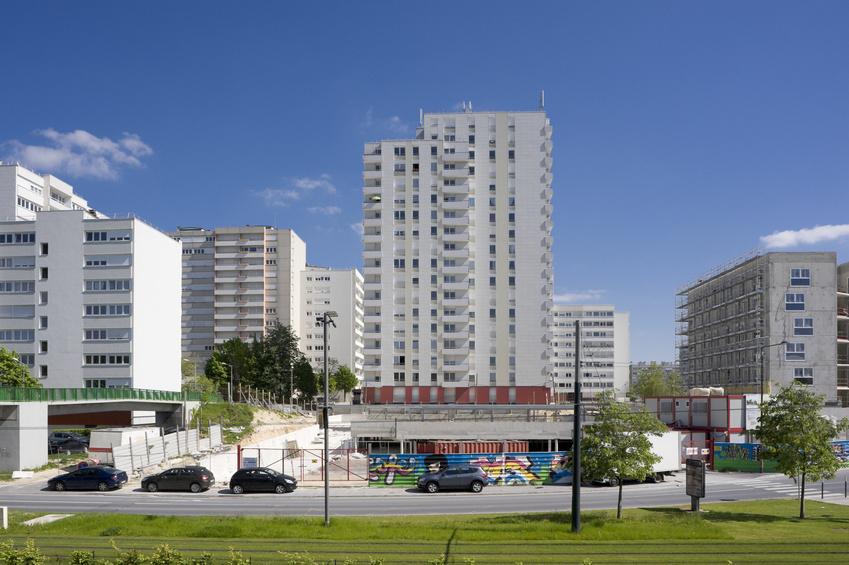 Eine Neubausiedlung im nordfranzösischen Reims. Didier Eribon dürfte in einem ähnlichen Umfeld aufgewachsen sein. Foto: Toutenphoton/Fotolia.
